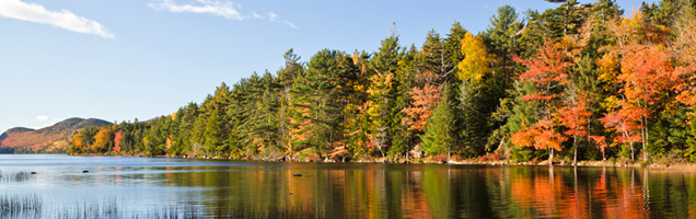 Fall-_on_the_lake636px